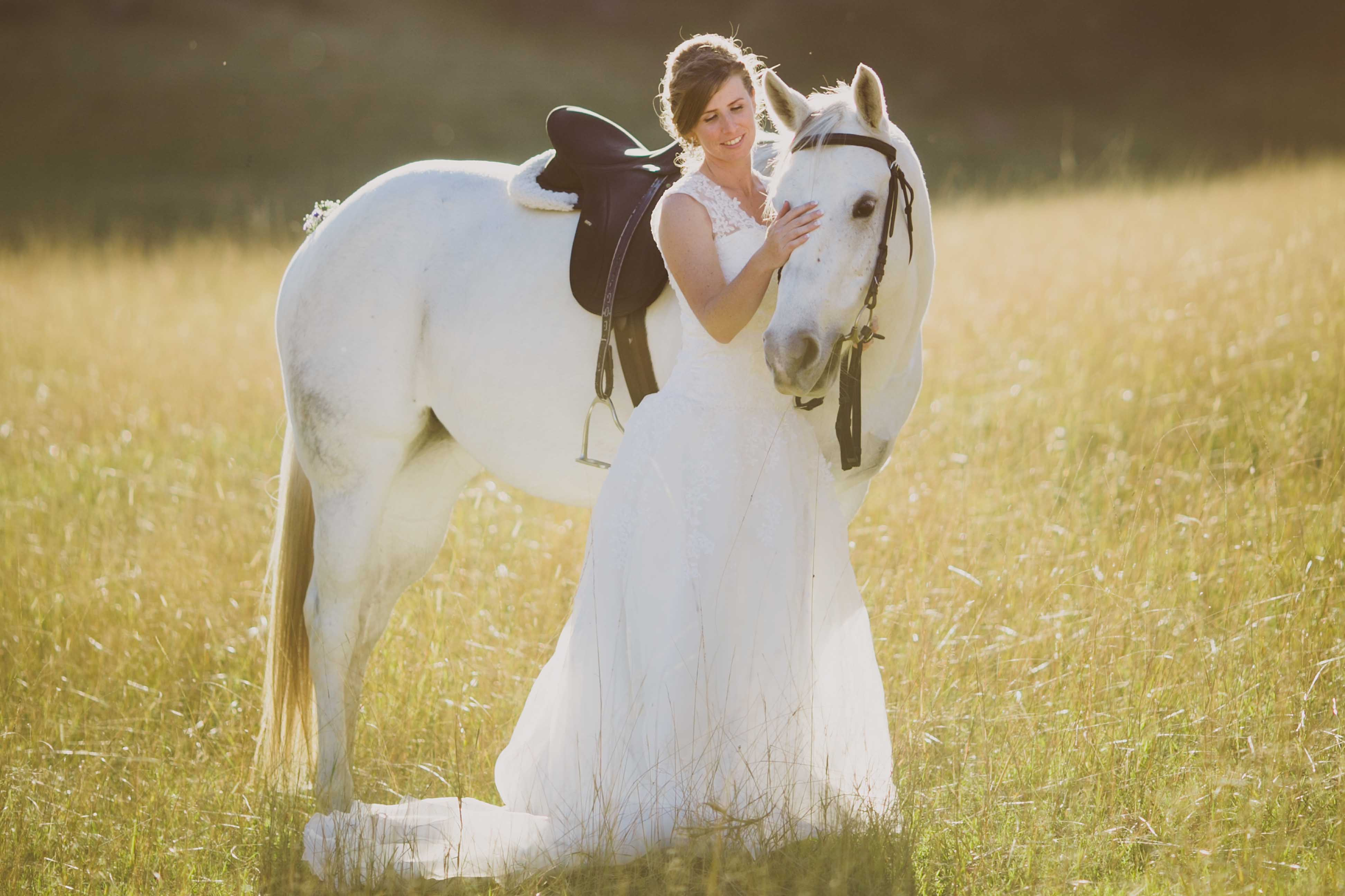 10 ways to bring your horse into your wedding the