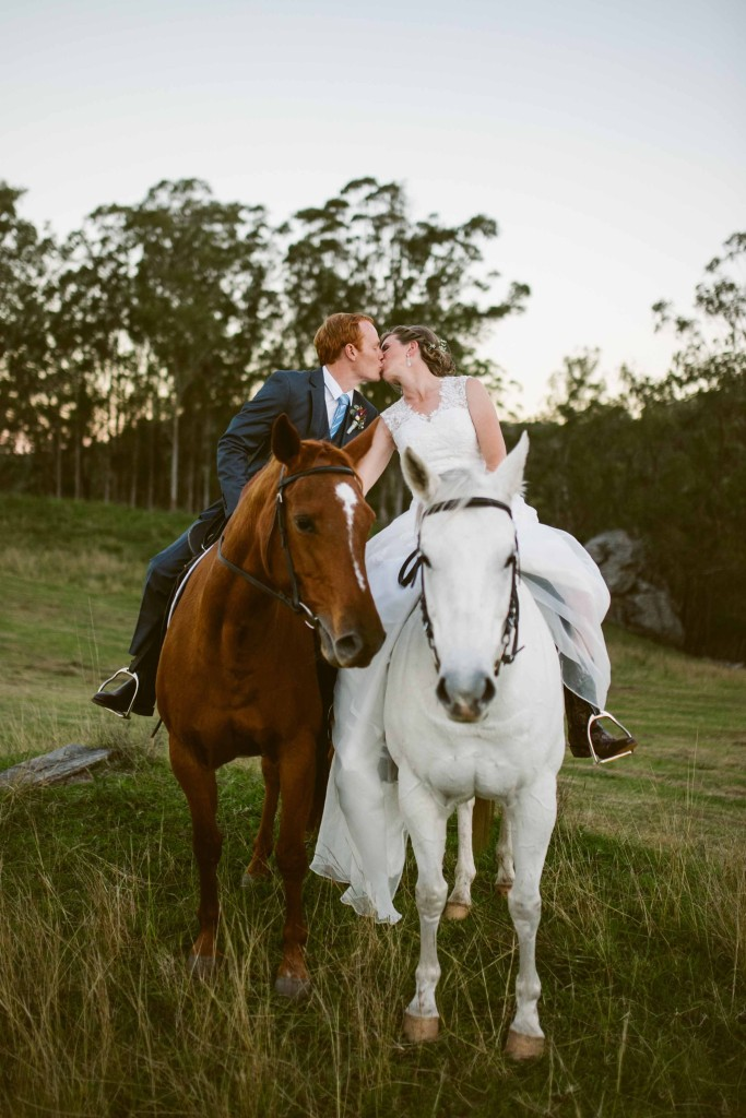 Jess and greg 39 s country horseback wedding chapman for Places to go horseback riding near me